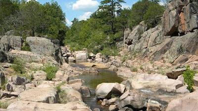 Doğal Kayalar ve Toplama Taşlarda Define