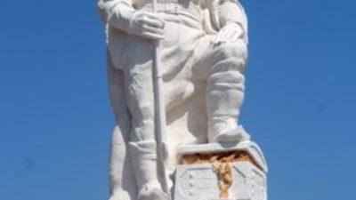 Volçan Voyvodanın Heykeli Dikildi